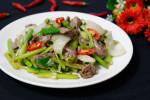5 bước cho thịt bò xào cần tỏi mềm, ngon, thơm
