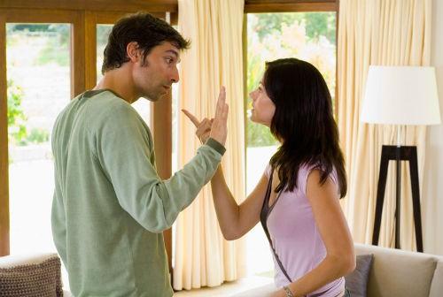 Làm chồng thì không, làm bạn thì dễ