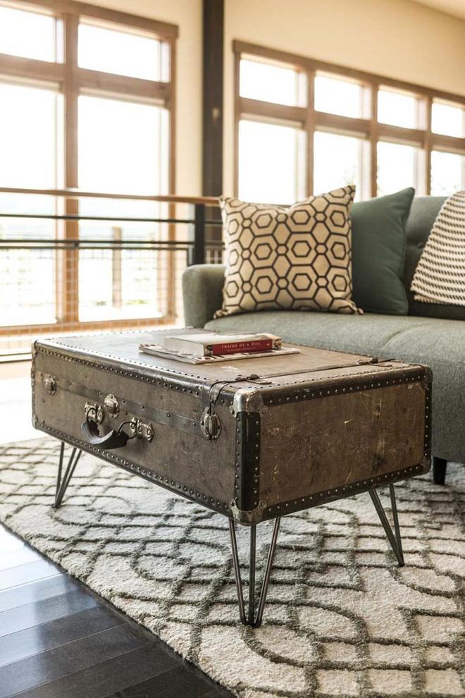Không ngờ những chiếc vali cũ lại có thể giúp cho phòng khách đẹp đến như vậy - Ảnh 7.
