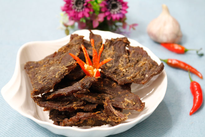 Cách làm thịt bò khô kiểu Hồng Kông thơm cay, dai ngọt đơn giản tại nhà