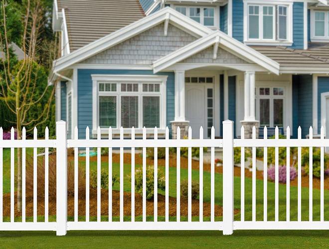 Hàng rào trắng lãng mạn tô điểm cho những ngôi nhà vườn đẹp nên thơ - Ảnh 3.