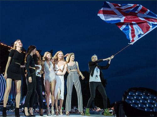 """Hội bạn gái """"xinh vô địch"""" của Taylor Swift - 3"""