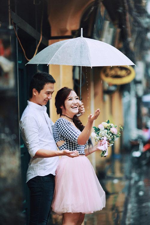 Ảnh cưới đẹp ngỡ ngàng dưới trời mưa lũ Hà Nội - 5