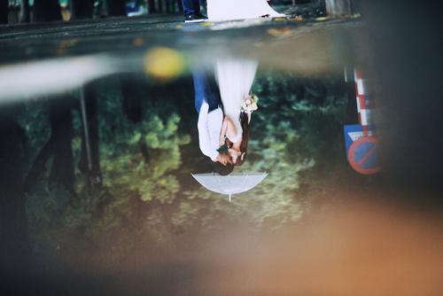 Ảnh cưới đẹp ngỡ ngàng dưới trời mưa lũ Hà Nội - 7