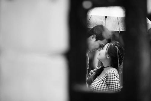Ảnh cưới đẹp ngỡ ngàng dưới trời mưa lũ Hà Nội - 9