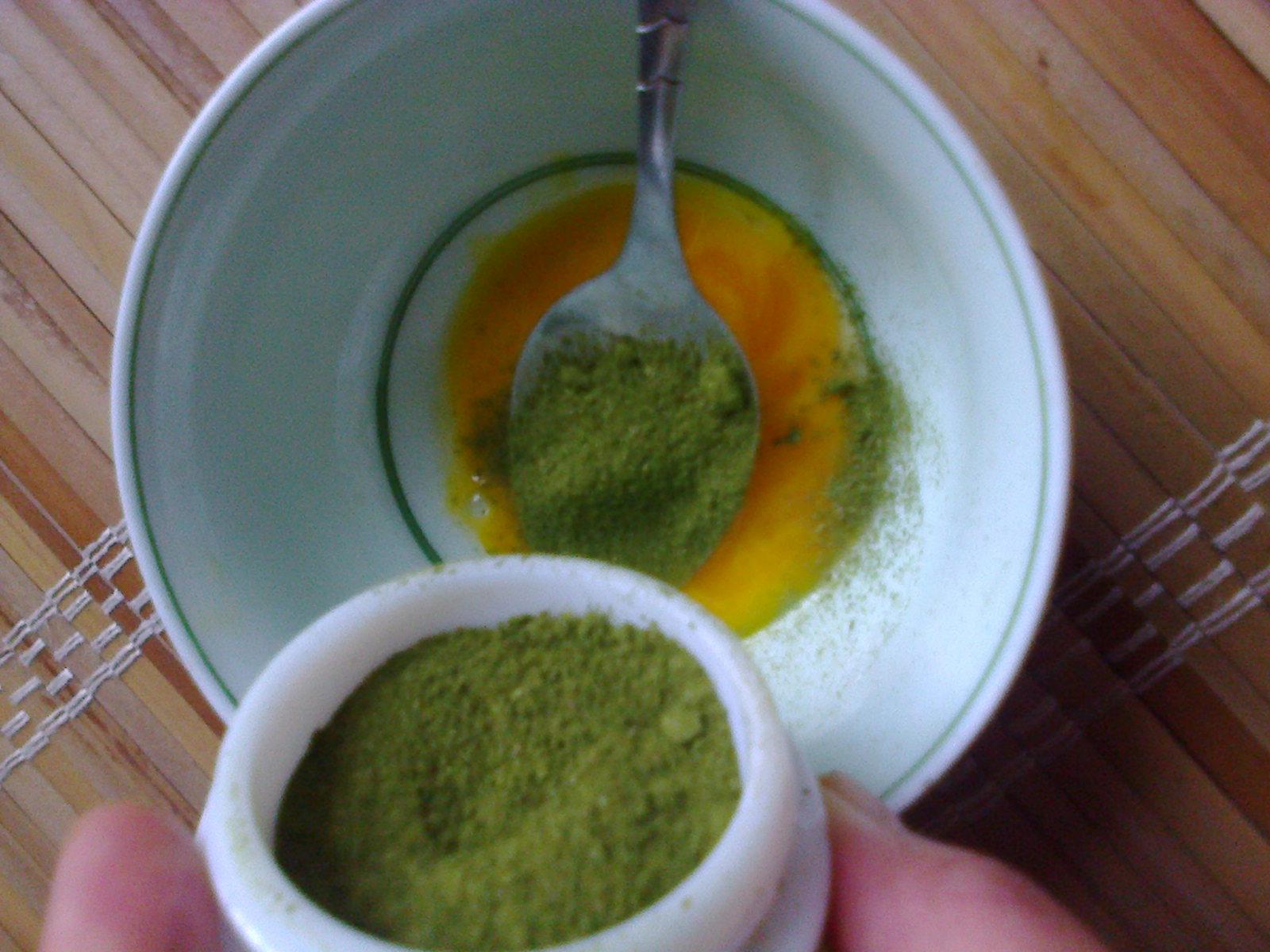Trắng da tự nhiên bằng trà xanh và mật ong