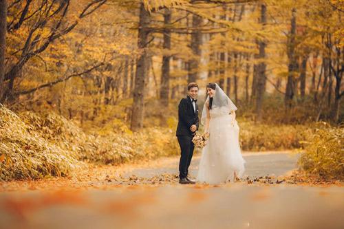 Ảnh cưới mùa thu Nhật Bản đẹp như mơ của cặp đôi 9x - 10