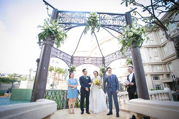Đám cưới ngoài trời đẹp như cổ tích của cặp đôi Vũng Tàu - 11