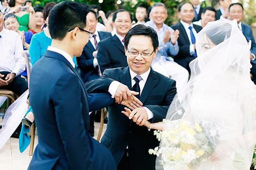 Đám cưới ngoài trời đẹp như cổ tích của cặp đôi Vũng Tàu - 8