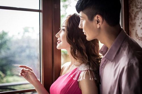 4 hành động khiến chàng thích thú và yêu bạn hơn - 1