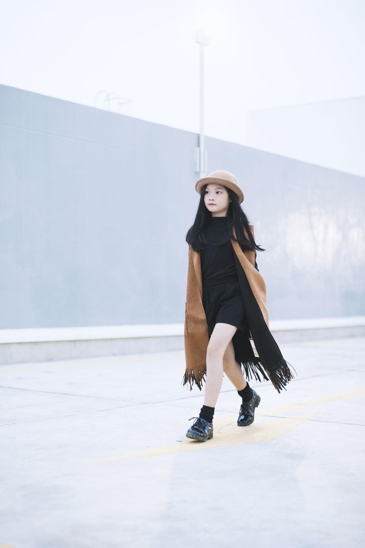 Top 10 mẫu nhí Thế giới xuống phố đẹp chẳng kém Minh Hằng - 1