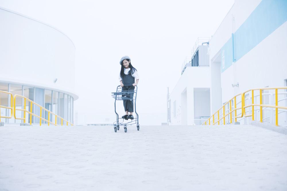 Top 10 mẫu nhí Thế giới xuống phố đẹp chẳng kém Minh Hằng - 10