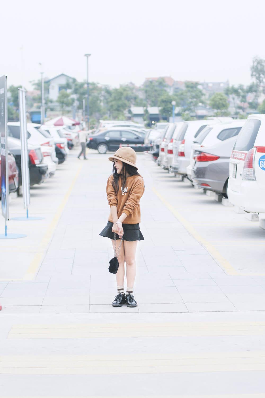 Top 10 mẫu nhí Thế giới xuống phố đẹp chẳng kém Minh Hằng - 13