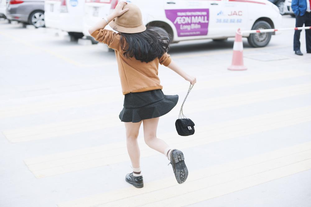 Top 10 mẫu nhí Thế giới xuống phố đẹp chẳng kém Minh Hằng - 14