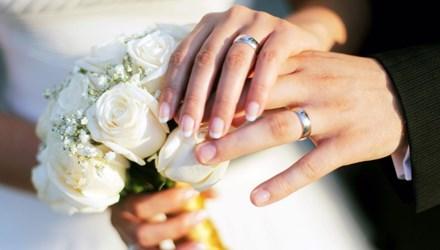 Bí mật đau đớn trong chiếc nhẫn cưới của chồng