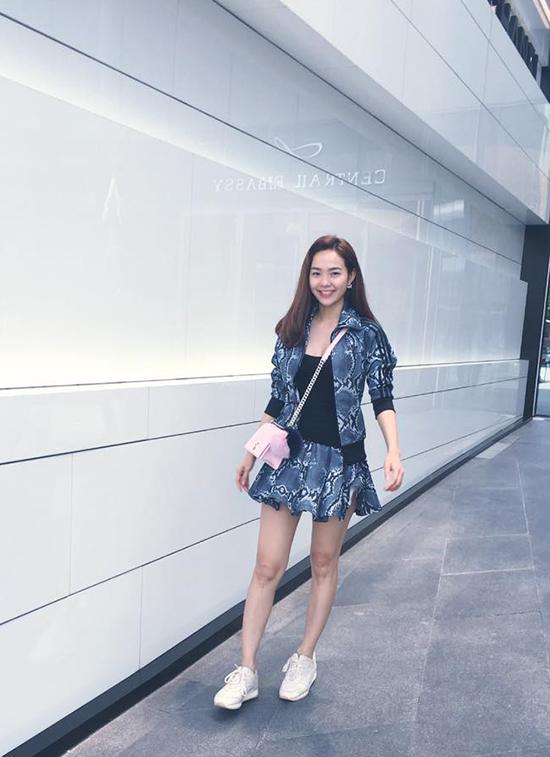 street-style-long-lanh-tuan-nghi-tet-cua-xi-ta-hot-girl-viet-3