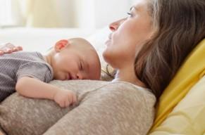 Phụ nữ trên 40 tuổi mới mang thai có nguy cơ đột quỵ cao