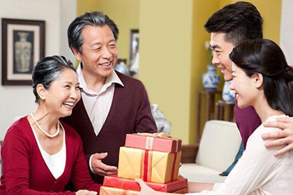 Bố vợ tương lai hết đòi kiểm tra sức khỏe đến xác nhận thân nhân mới cho kết hôn