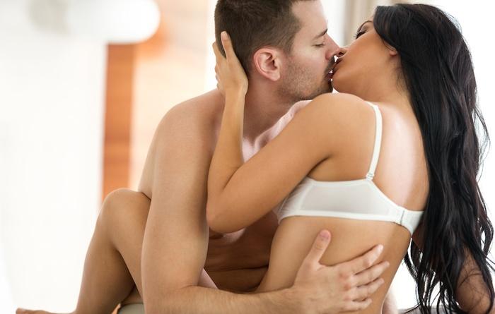 Tư thế quan hệ tình dục nào giúp phụ nữ dễ 'lên đỉnh' nhất?