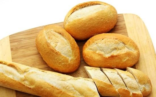 Làm trắng răng an toàn với bánh mì cháy