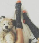 Khác biệt tâm lý giữa người thích đi tất và để chân trần khi ngủ