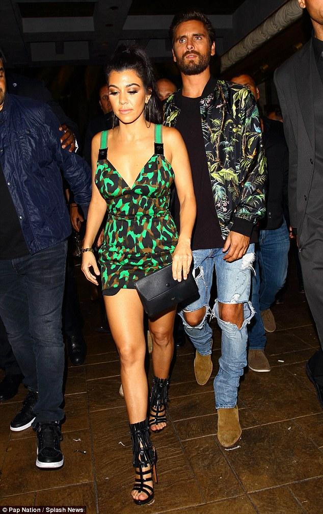 Kourtney Kardashian và Scott Disick đã có với nhau 3 mặt con và mới chia tay nhưng duy trì quan hệ bạn bè.