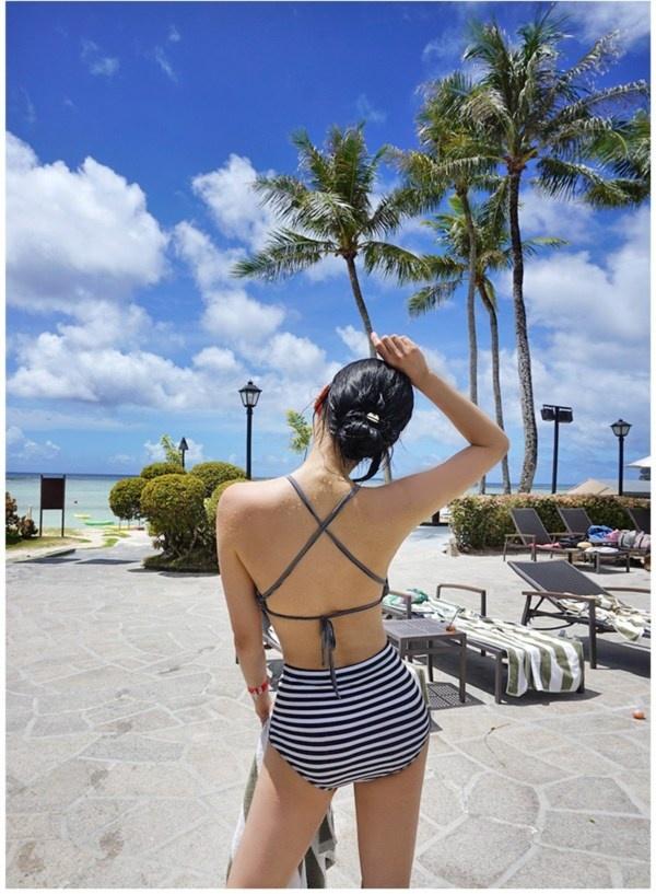 11 mẹo chọn áo tắm che giấu nhược điểm cơ thể hoàn hảo (P1)