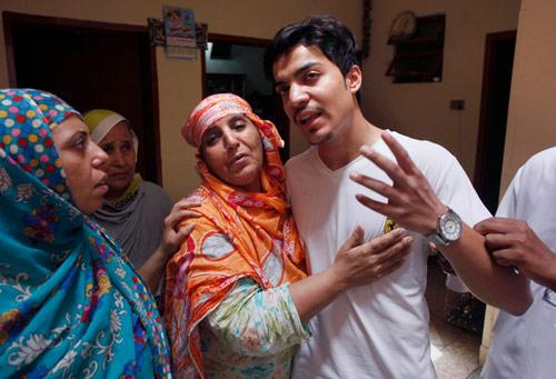 thieu nu pakistan bi me thieu song vi tu y lay chong - 2