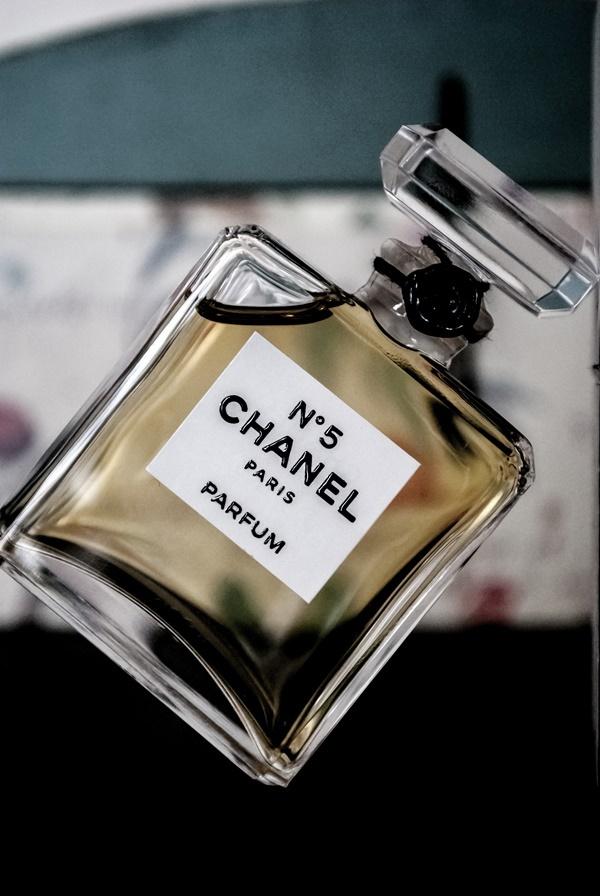 Có đến 5 loại nước hoa Chanel No.5 khác nhau, bạn hợp với loại nào?