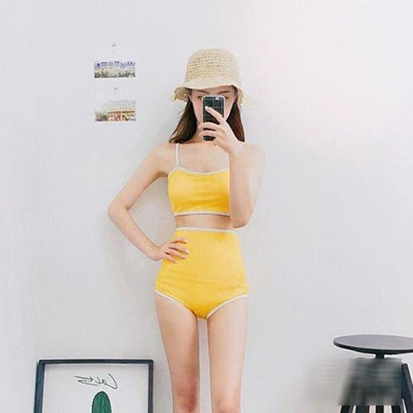 Bí quyết chọn bikini hoàn hảo cho nàng ngực nhỏ