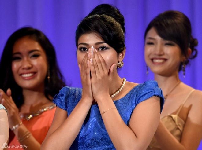Soi nhan sắc nàng hậu các nước vừa đăng quang trong tháng 9