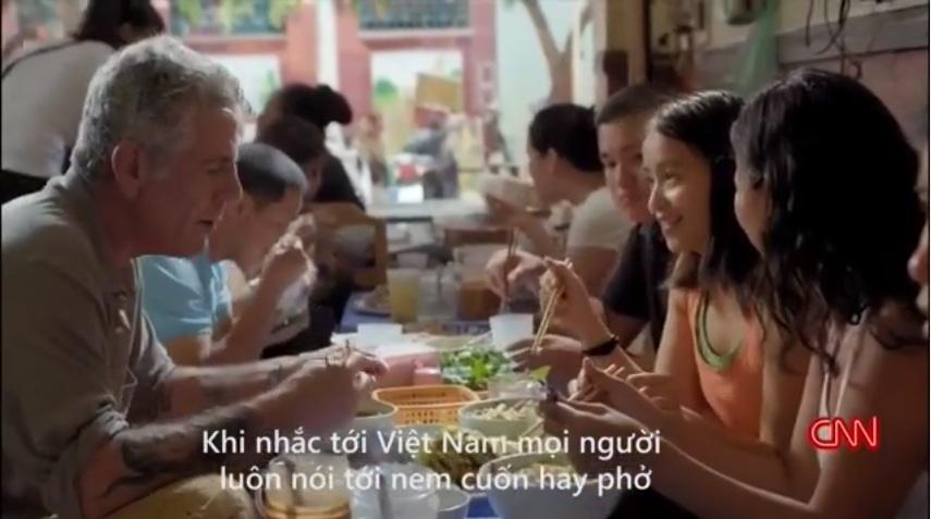 """""""Bún chửi"""" nổi tiếng Hà Nội được khen trên truyền hình Mỹ"""