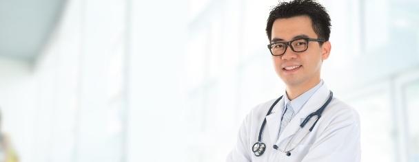 11 lợi thế yêu chàng là bác sĩ