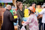 Hoa hậu Thu Hoài nghẹn ngào đón sinh nhật trong chùa