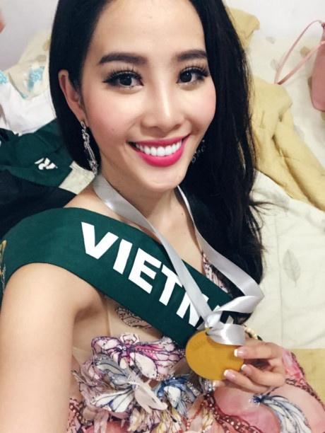Nam Em giành thêm huy chương bạc tại Miss Earth 2016