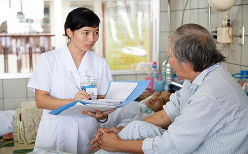 Sức khỏe người lớn tuổi: khó khăn từ chế độ dinh dưỡng