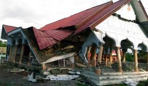 25 người thiệt mạng, nhà cửa đổ trong trận động đất kinh hoàng ở Indonesia