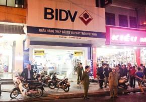 Cướp ngân hàng ở Huế, bất lực nhìn tên cướp xách đi 700 triệu đồng