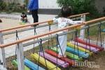 Cho trẻ vui chơi ngoài trời, cha mẹ Việt cần lưu ý những gì?