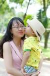 Mẹ trẻ Hà Nội: 'Lười để con tự lập'