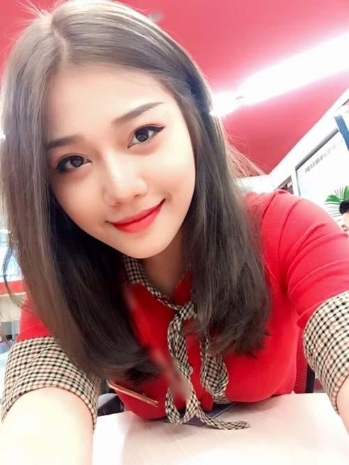 chi la tiep vien hang khong thoi ma, co can phai xinh the nay khong? - 15
