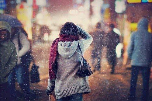Chồng soái ca dỗ dành khi vợ khóc vì... còn nặng lòng với người cũ