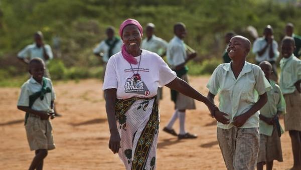Châu Phi là nơi có tỉ lệ nhiễm HIV/AIDS cao nhất thế giới.