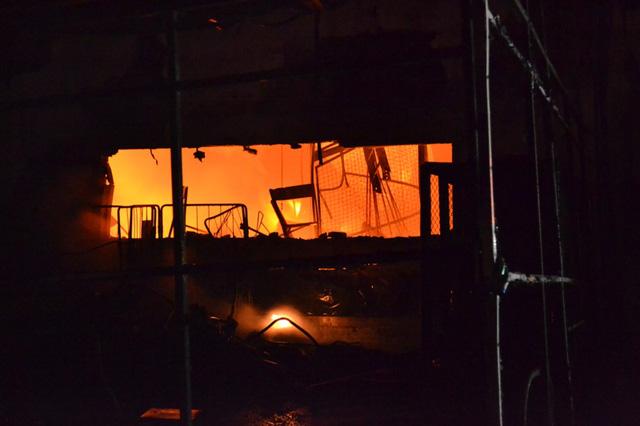 Đám cháy bùng phát từ khu vực kho chứa linh kiện của công ty.