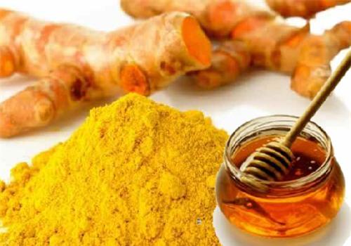 Nghệ và mật ong giúp da đẹp mịn màng.