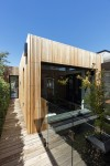 Sống trọn vẹn từng ngày trong ngôi nhà ốp gỗ đẹp như mơ