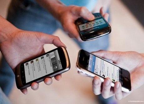 Năm không khi dùng điện thoại để giữ sức khỏe, an toàn cho bản thân và mọi người