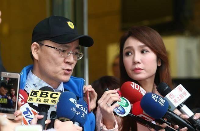 """Helen Thanh Đào ly hôn, chồng tuyên bố - """"Cô khó có đất sống ở Đài Loan"""""""