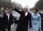 Tình yêu thương lớn lao của vợ đẹp con ngoan đã giúp Donald Trump tỏa sáng trong lễ nhậm chức