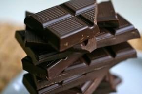 9 lý do thuyết phục bạn nên ăn socola đen mỗi ngày